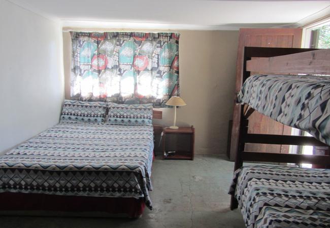 4 sleeper dorm room