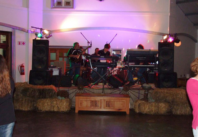 Band at the country wedding