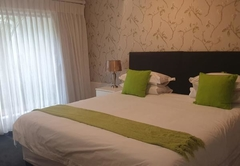Room 11- Self-Catering Aparrtment