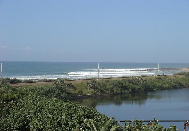 Tweni Waterfront Guest Lodge