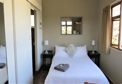 Tweni Waterfront Guest Lodge
