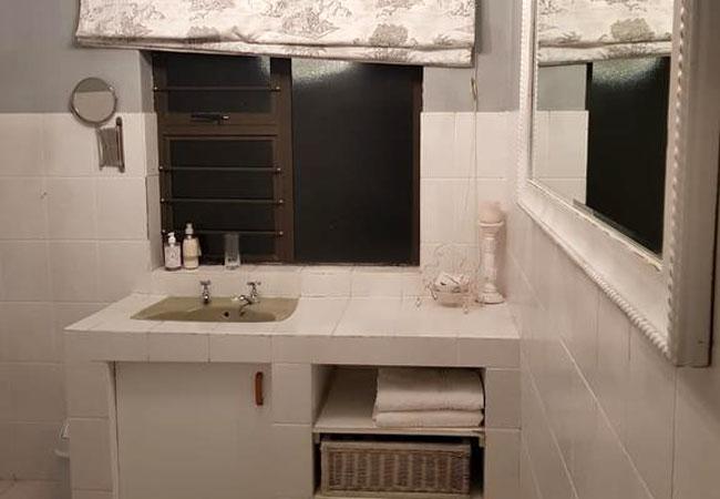 Magnolia Room - bathroom