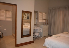 Vaal Dam Home in a Wellness Centre