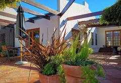 Barn House De Luxe Cottage