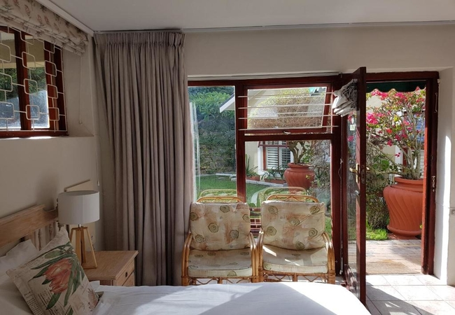 Self catering Twin/King Suite