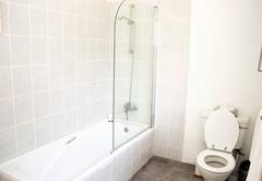 Bathroom Larkrise