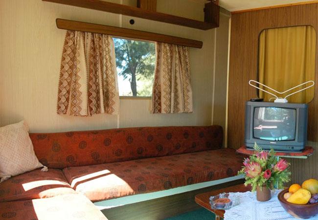 Weaver Park Home - Lounge