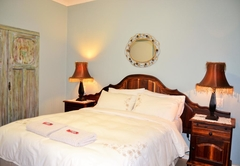 Versailles Self Catering