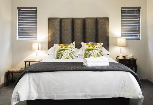 Luxury Open Plan Queen Room