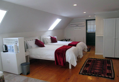 Upstairs bedroom and lounge