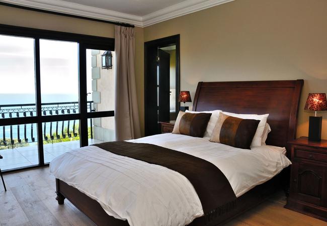 Bedroom with en-suite and balcony