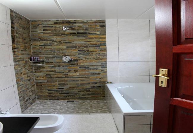 06. Executive Suite