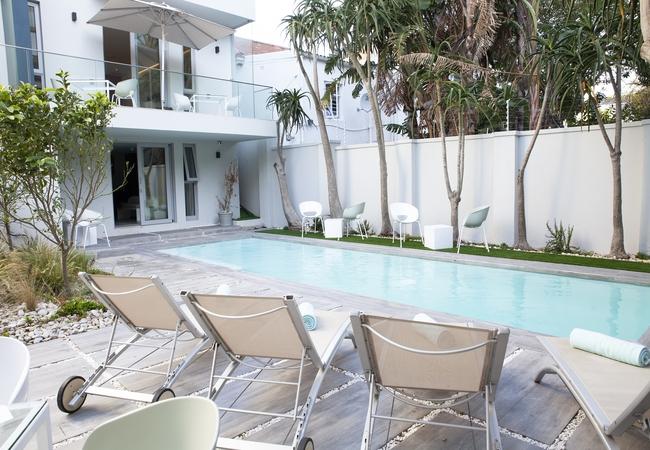 Villa Zest pool and patio