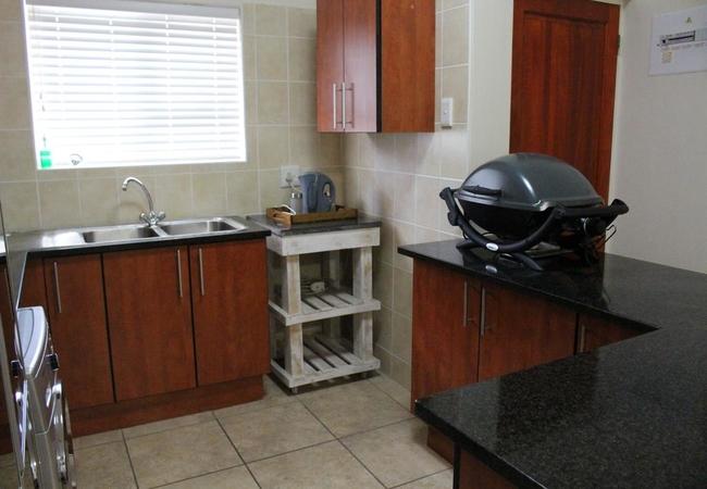 Makriel Apartment