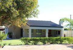 Plataan House