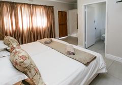 Standard Room Queen Bed