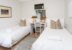 Standard Room with 2 Single beds   Couch