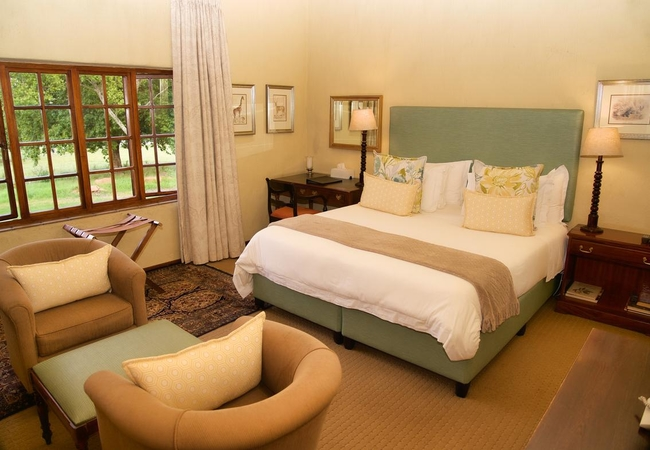 Lakeside Suites