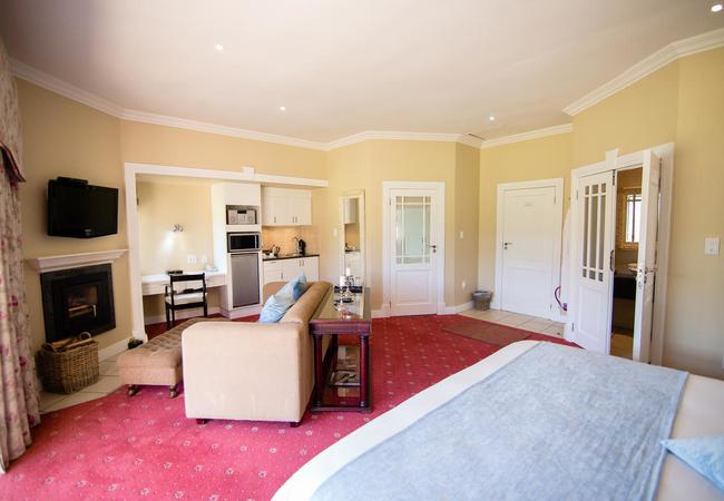 Luxury Lakeside Suites