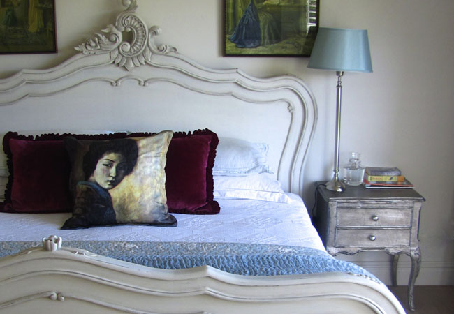 Main bedroom en suite with water views