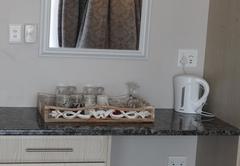 Room 13 - Queen Room