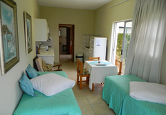 Self-Catering Unit - Moms Place