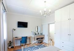 1b. Large Single Room