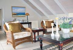 Humpback lounge