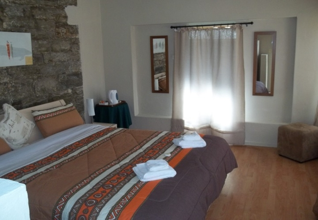 Double Room Up Stairs No En-Suite