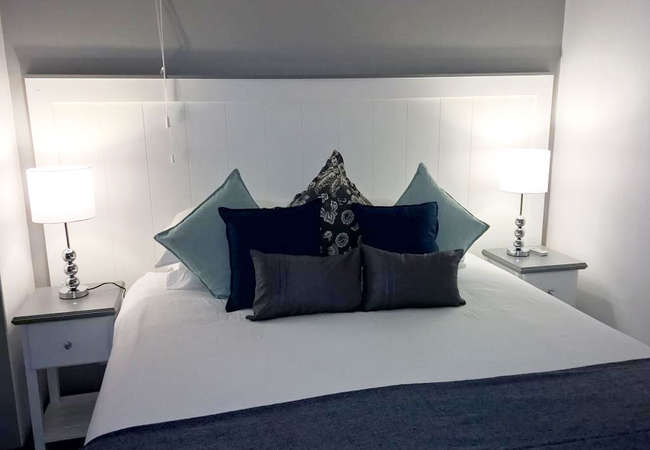 Self-Catering Suite - King/Twin