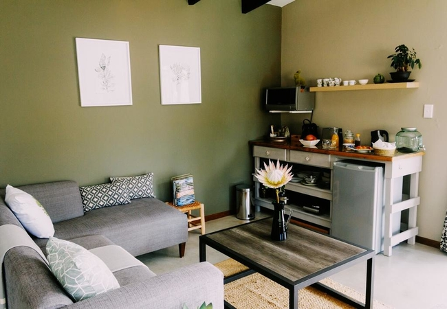 Constantiaberg Suite - Lounge