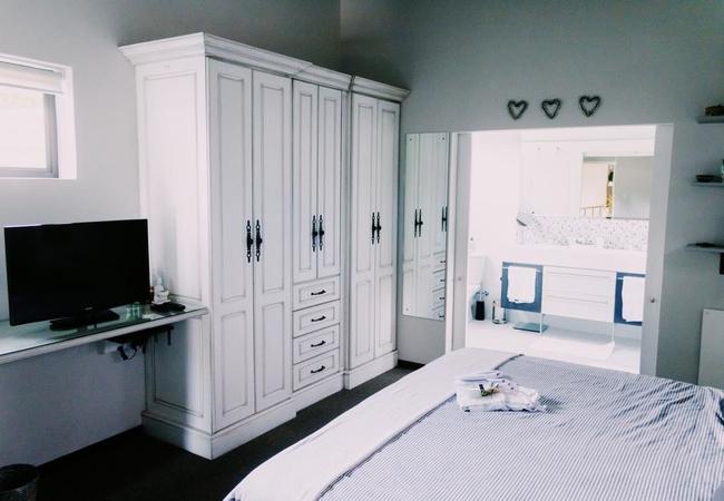Constantiaberg Suite