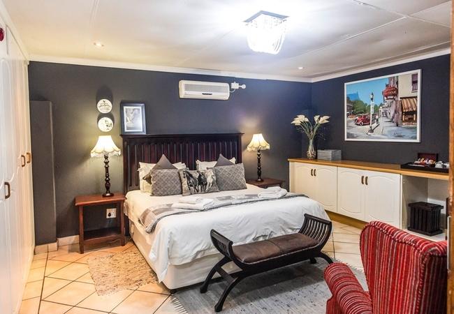 Suite-De-Luxe Honeymoon Suite