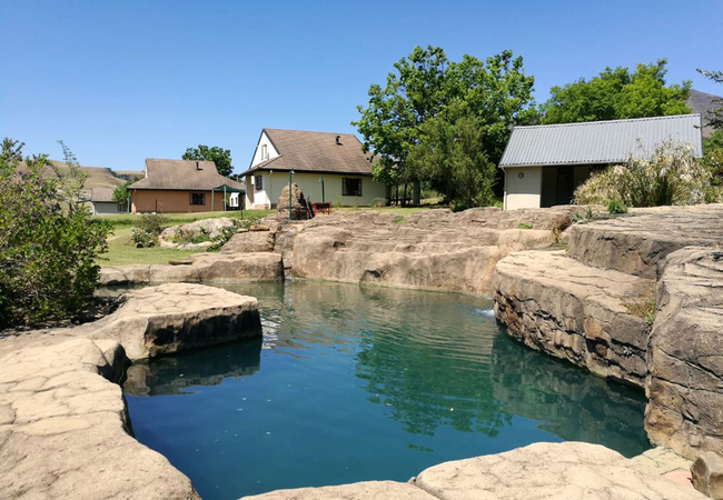Chalets, lapa and pool