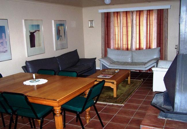 Two-bedroom 4-sleeper apartment