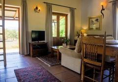 Zebra Cottage and Lodge