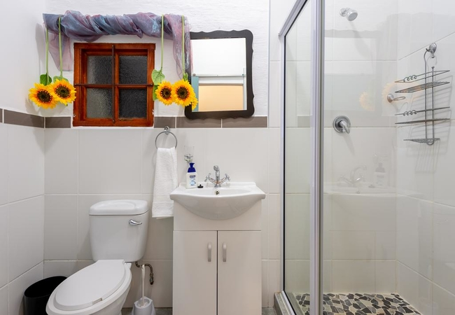 Family Unit with Shower