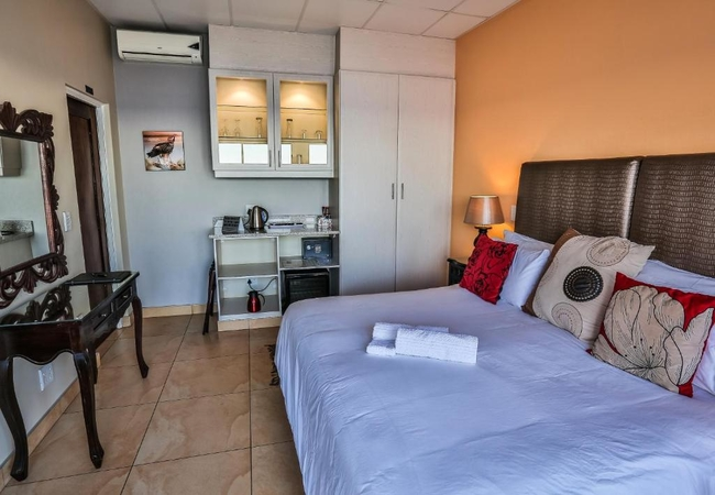 King or Twin Rooms and Sea View