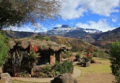 The Zulu Hut and Inkunzi Cave