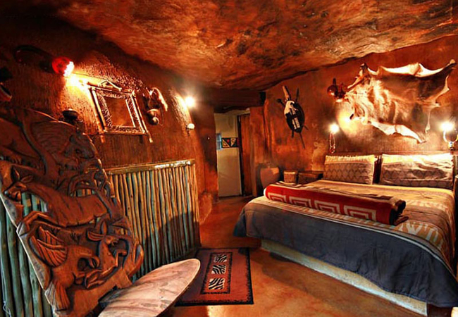 Zulu Hut bedroom
