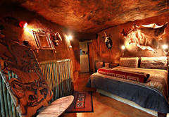 Zulu Hut bedroom