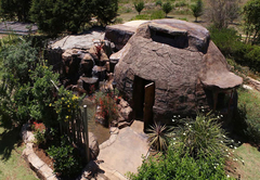 The Zulu Hut with small splash pool